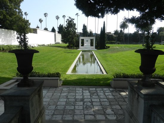 Douglas Fairbanks And Douglas Fairbanks Jr Gardens