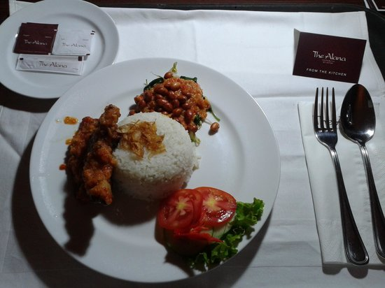 The Alana Surabaya: delicious food from room service