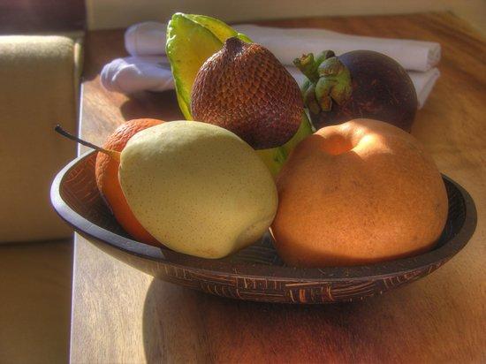 Villa Sabandari: Complimentary Tropical Fruit Basket
