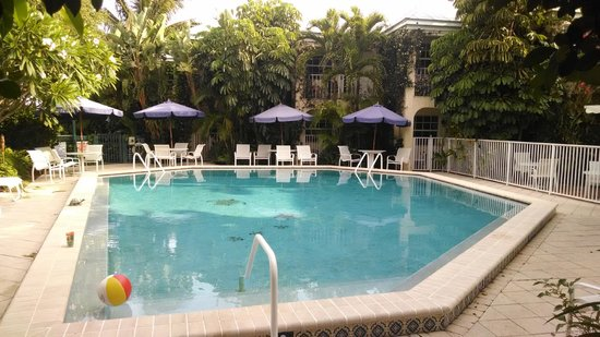 The Caribbean Court Boutique Hotel: Great pool