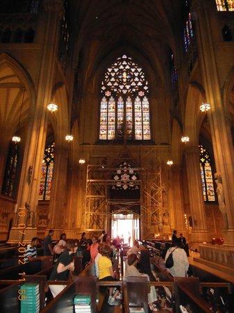 St. Patrick's Cathedral: Interior da Catedral