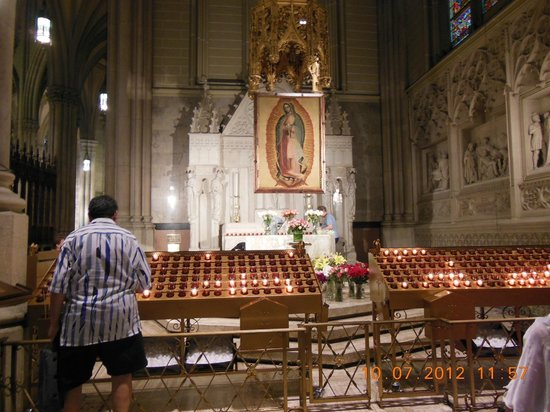 St. Patrick's Cathedral: Velas
