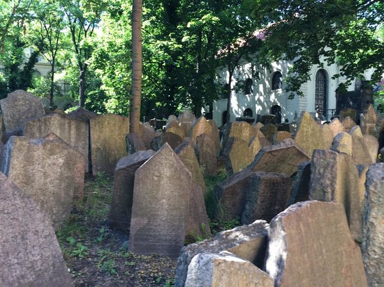 Jewish Museum in Prague : Old cemetery