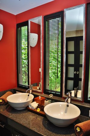 Villa Sabandari: TELEK Bathroom