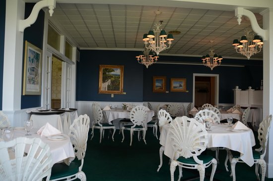 Stafford's Bay View Inn: The Roselawn Dining Room