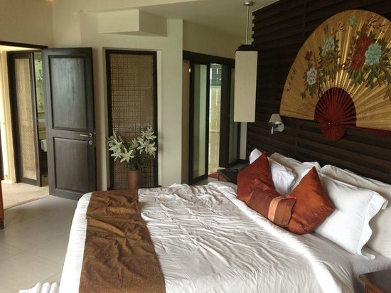 IndoChine Resort & Villas : bigger bedroom with private jacuzzi!