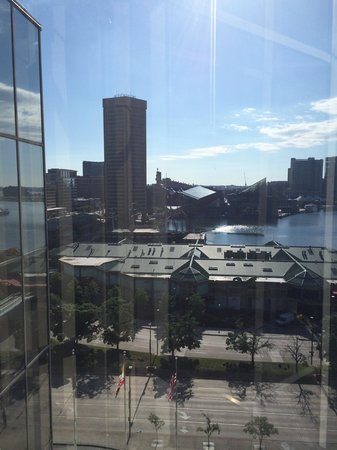 Hyatt Regency Baltimore Inner Harbor: View from elevator