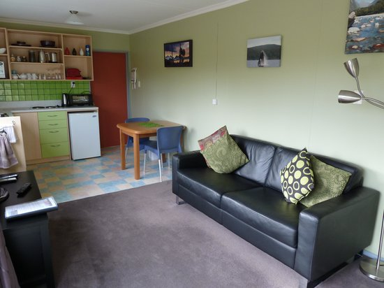 Kepler Mountain View: LIving room/Kitchen
