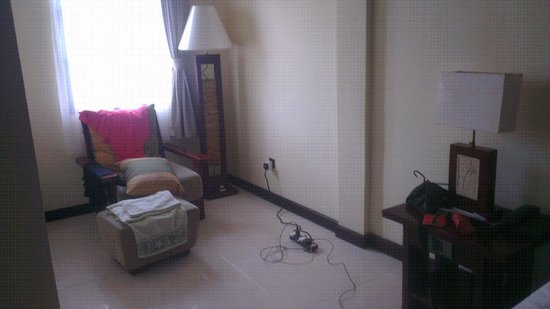 Adi Dharma Hotel: Sitting area