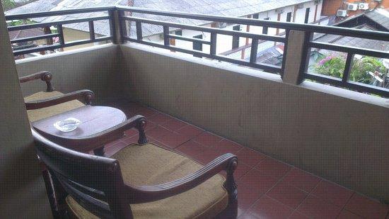 Adi Dharma Hotel: Balcony