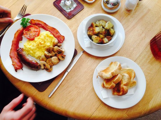 627 on King Bed and Breakfast: Full English breakfast