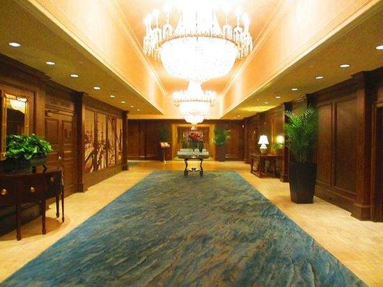 The American Club: Lake Michigan carpet