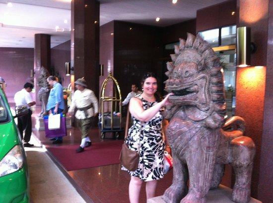 Shangri-La Hotel,Bangkok: Entrada Hotel