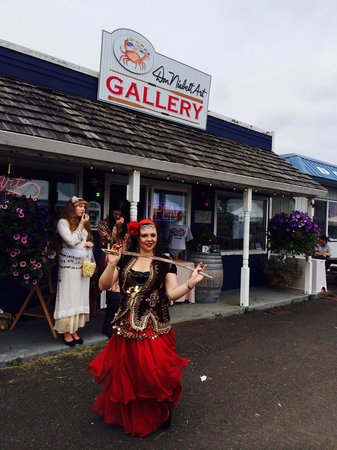 Don Nisbett Art Gallery: At the Saturday Market