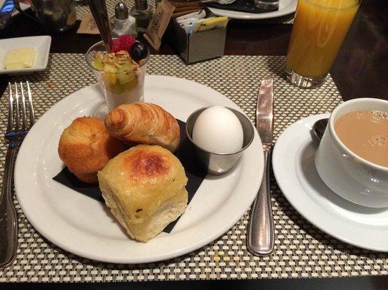 The Strand Hotel: Desayuno