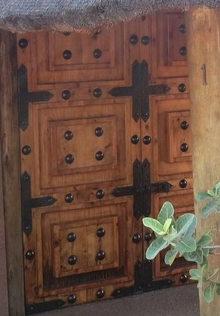Sediba Private Game Lodge: Door to chalet - NO lock