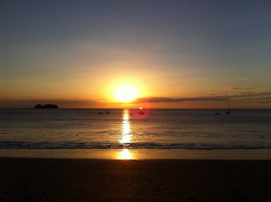 Hotel ManGaby: Beautiful sunset at Playa Hermosa