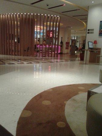 Ibis Navi Mumbai : lobby