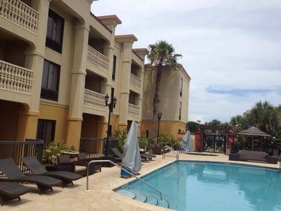 Hampton Inn & Suites St. Augustine - Vilano Beach: excellent pool area