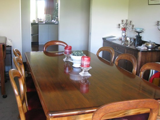 Cricklewood House Bed & Breakfast: Main Dinning Room