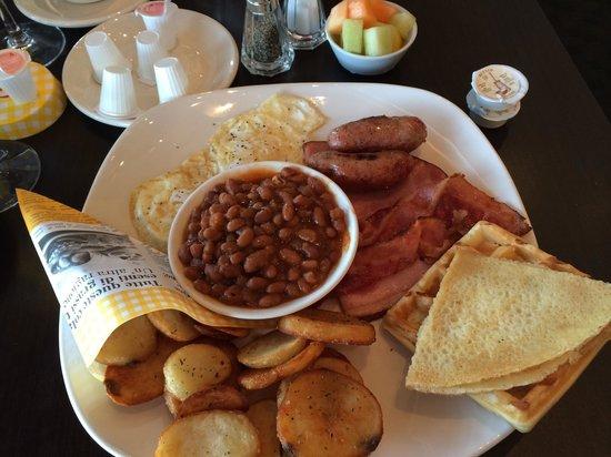 Pacini Calgary: Huge filling breakfast!!