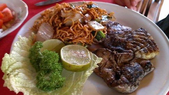 Mama Putu: The two-steak Seafood Parade