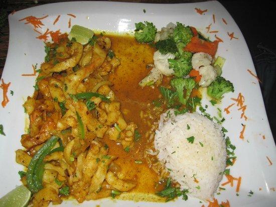 Aji Tapa Bar & Restaurant: Coconut Conch Curry