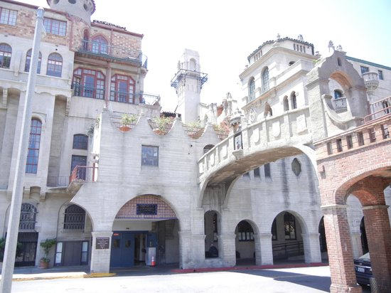 The Mission Inn Hotel and Spa : The back of the hotel