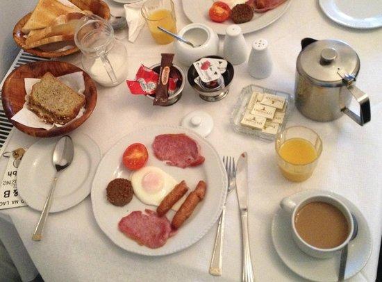Ard Na Laoi B&B: Full Irish breakfast- delicious!