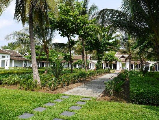Sofitel Luang Prabang Hotel: Gardens