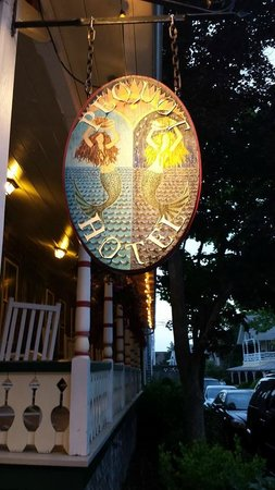 Pequot Hotel: Hotel Sign