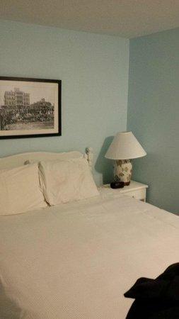 Pequot Hotel: Room 32