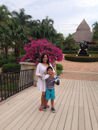 JW Marriott Panama Golf & Beach Resort: Abuela Mary y Abdel