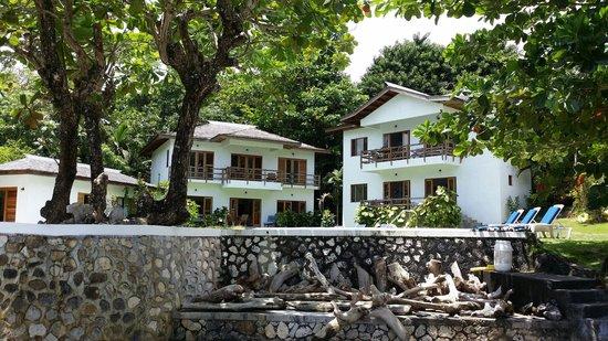 The Resort at Wilks Bay: Intimate Cove setting