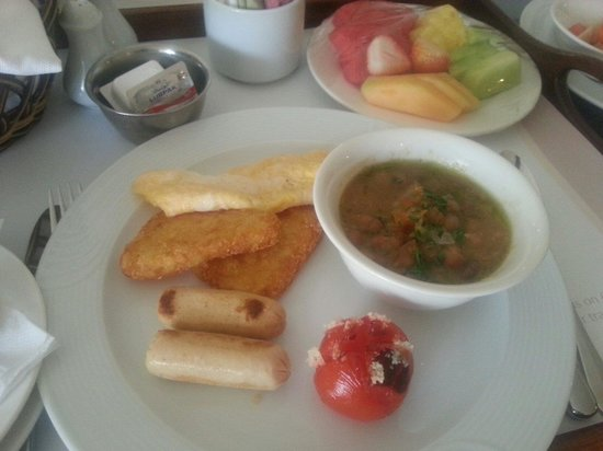 Danat Al Ain Resort: فطور شرقي لذيذ��