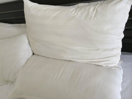 Lotus Blanc Resort : Pillows/sheets in the first room were kinda yellowed