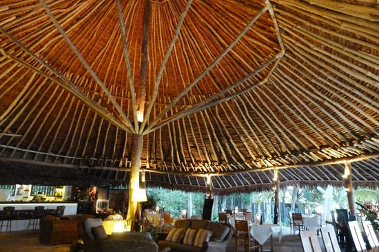 Paradise Cove Resort: nakamal
