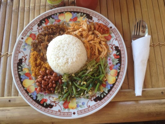 Ruby's Cafe: The search is over! Found what is ABSOLUTELY The BEST NASI CAMPUR IN THE WHOLE ISLAND. Clean, de