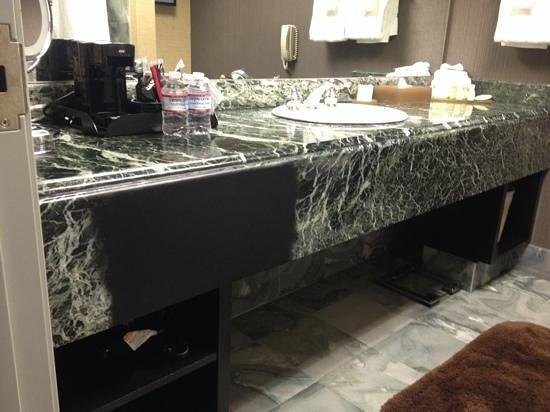 Atlantis Casino Resort Spa: interesting black spot on marble