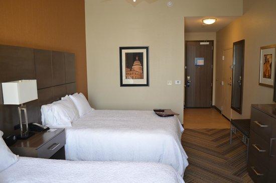 Hampton Inn & Suites Austin at The University/Capitol : Room 209