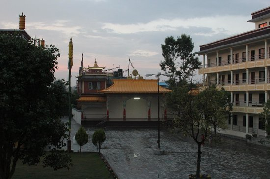 Tharlam Guest House : Tharlam monastery