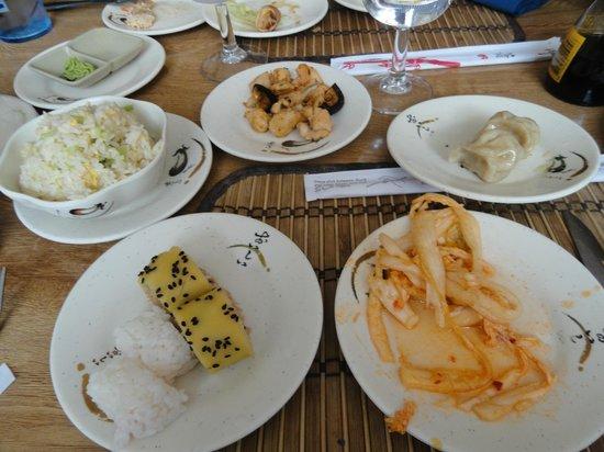 Sakura: Selección de platos del buffet