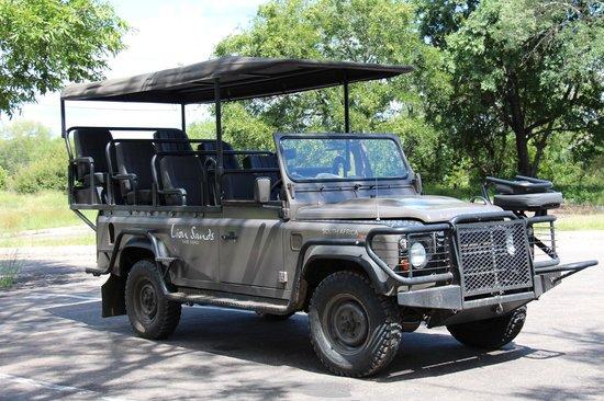 Lion Sands River Lodge: Safari Vehicle