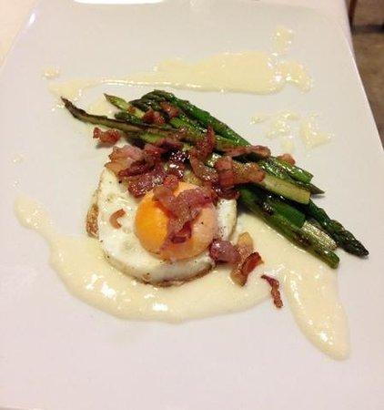 La Gioconda: uovo taleggio ed asparagi