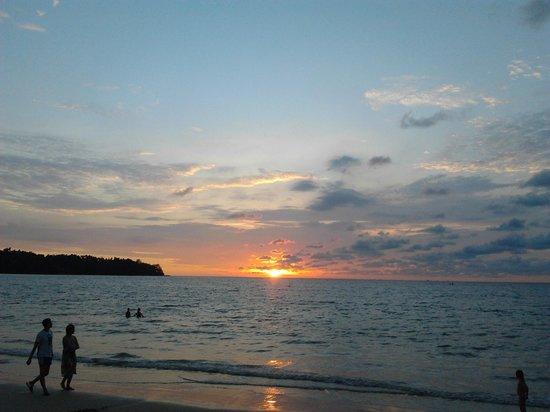 Sunwing Bangtao Beach : Wonderful sunsets here at Bang Tao Beach!