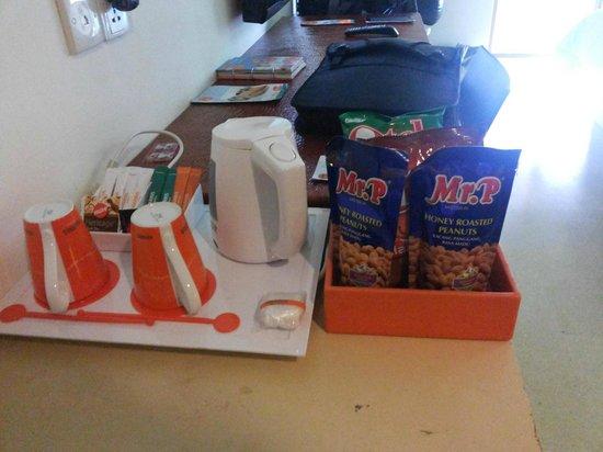 HARRIS Hotel Tuban: Coffee/Tea making facilities