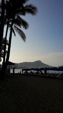 Outrigger Reef Waikiki Beach Resort: the view