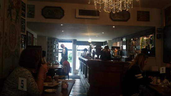The Apiary Cafe Bar : Cosy interior