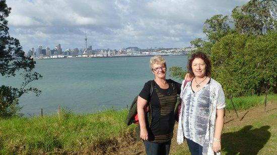Absolute Tours - Day Tour: Under Harbour bridge