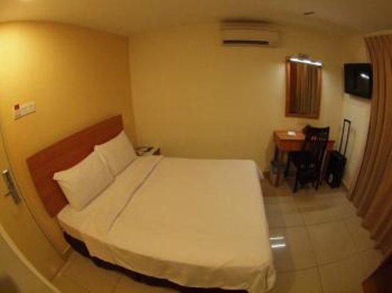 My Hotel at Sentral: エアコンや窓も付いています